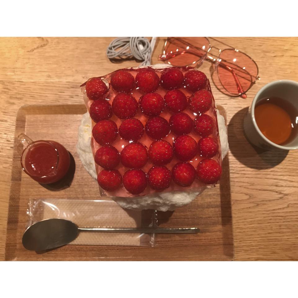 苺畑でレアチーズケーキ かき氷をいただきました♡#吉祥寺 #かき氷