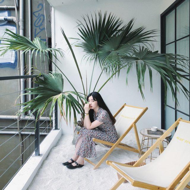 都心なのに砂浜? ビーチ気分が味わえる #台湾 女子の中で人気なオシャレ #カフェ :ACME Breakfast CLUB・西門町 台北