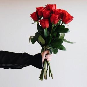 本数やカラーでちがう?花言葉:カラー編 〜 Roses