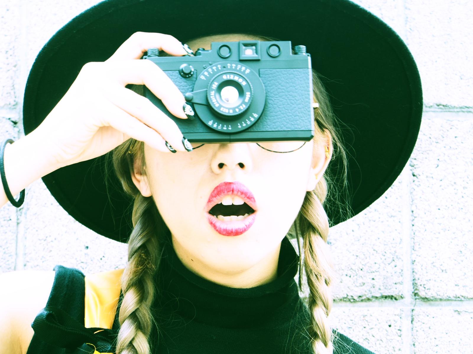 iPhoneをファッショナブルに!クラシックカメラにカスタマイズ!