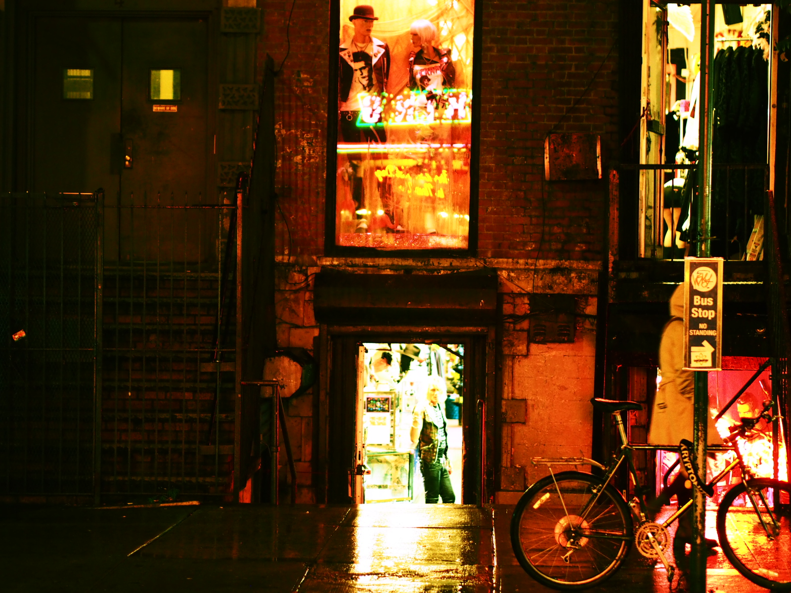 ニューヨーク・パンクのカリスマショップ【Trash & Vaudeville】