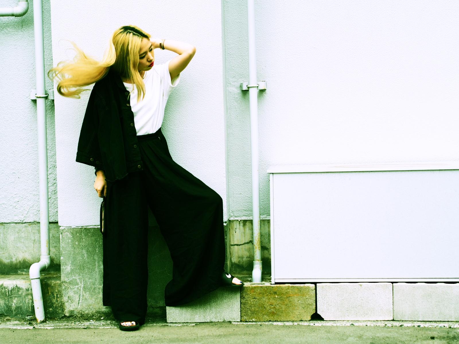 【シンプルなスタイルが今の気分。等身大のモノトーンスタイル #OOTD】