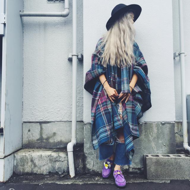 髪も秋モードにチェンジ!ブロンドからくすんだグレーに。#hair #haircolor
