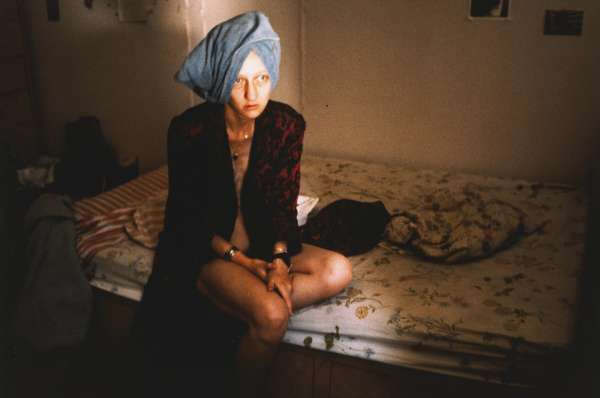 nan20goldin_20suzanne20on20her20bed20new20york20city201983
