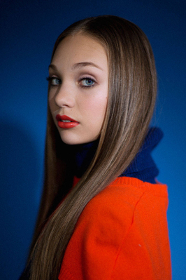 normal_elle-05-in-the-studio-with-maddie-ziegler-v-xln