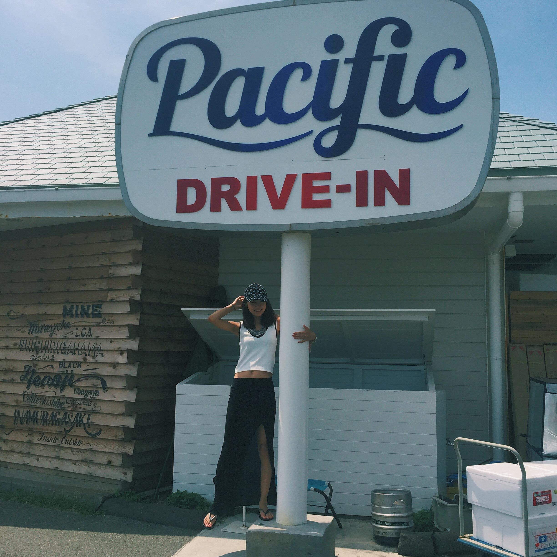 七里ガ浜で見つけたインスタSPOT!Pacific Drive-inを紹介。