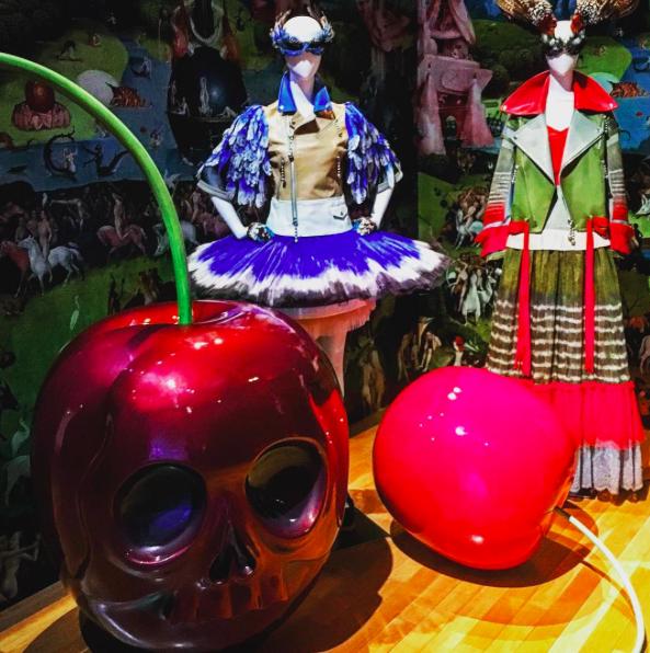 アンダーカバーの展示の魅力とは?@it_s_you_