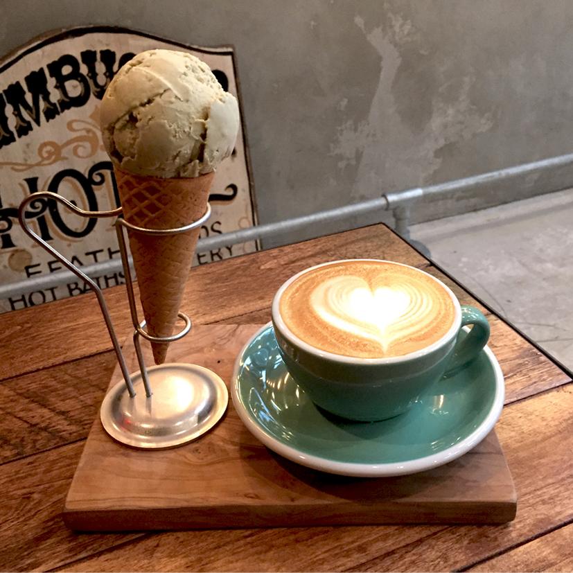 あたたかい、つめたい、2つを同時に楽しむコーヒーショップ。@ it_s_you_