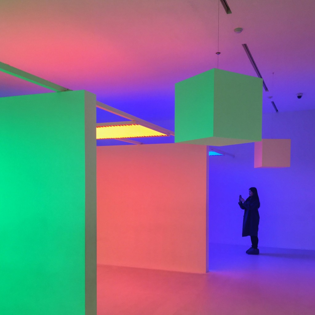 韓国の9 Lights in 9 Roomsで見た光のアート。Carlos Cruz Diezという男。#art