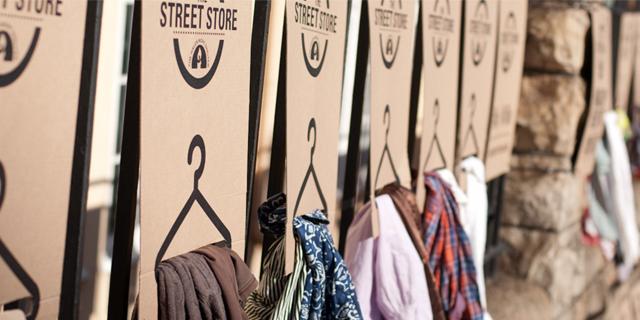 貧困層の方たちへ服を選ぶ喜びを届けるThe Street Store