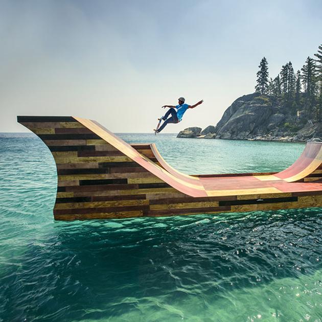 湖の上に浮かぶスケートボードランプ #skateboard