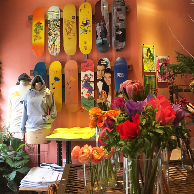 ブルックリンのフラワーとスケートボードがクロスしたショップPARK DELICATESSEN #Brooklyn #NY #skateboard