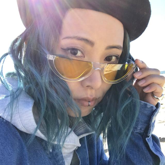 カラーヘアとカラーレンズのコントラスト。私の2018年初サングラス #LA #sunglasses