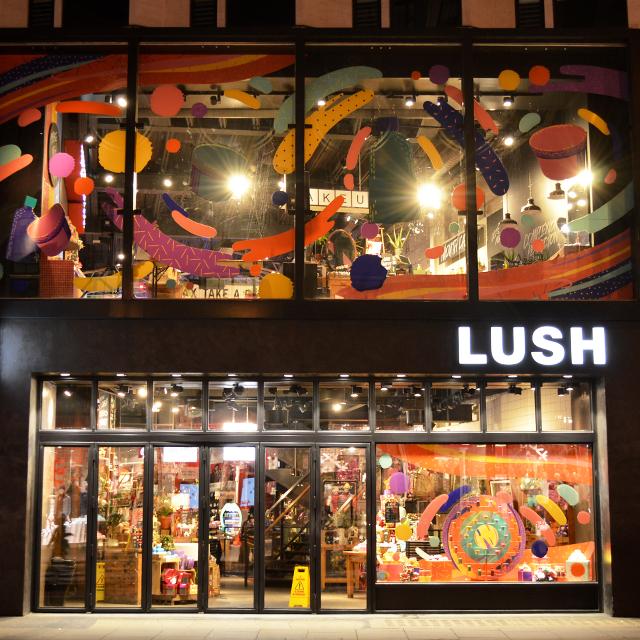 世界最大のLUSHロンドンOxford Street店 #lush #Oxfordstreet
