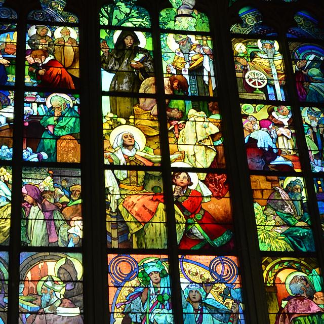 ミュシャが手掛けたステンドグラスが美しい聖ヴィート大聖堂 #プラハ城 #チェコ #ヨーロッパ周遊