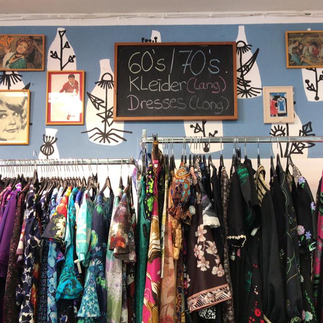 リーズナブルな価格でヴィンテージが手に入るベルリン大手の古着屋チェーンHUMANA #Berlin #ドイツ