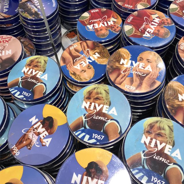 ニベア発祥の地ドイツ・ハンブルクのニベア缶がお土産にぴったりな可愛さ #ドイツ #お土産