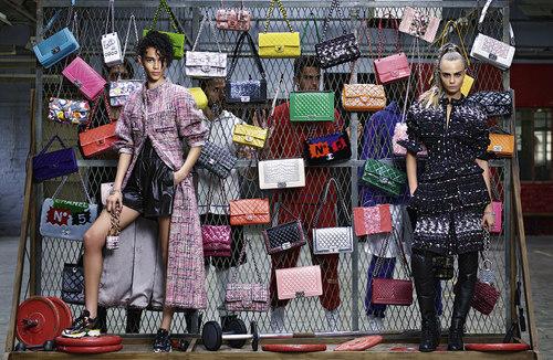 #BinxWalton ってモデル知ってる♥? #CaraDelevingne と #CHANEL のモデルもつとめたネクストITガール!