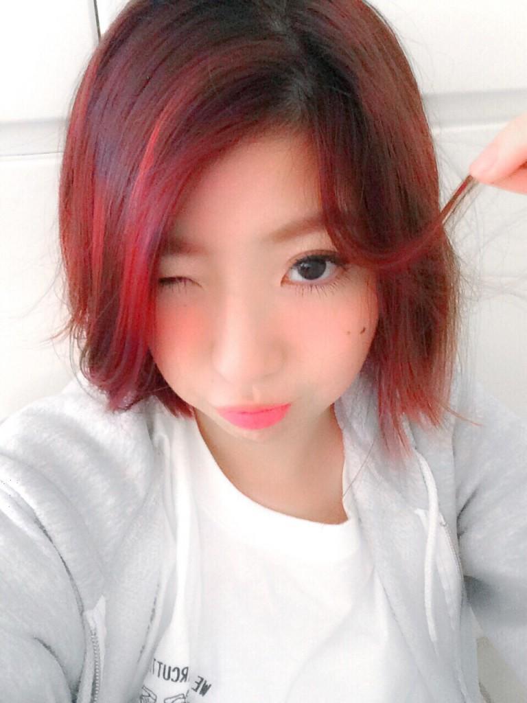 赤髪などの暖色系ヘアカラーにしたときの眉毛はポーチに必ずあるコレをつかって対処♥! #makeup #tutorial