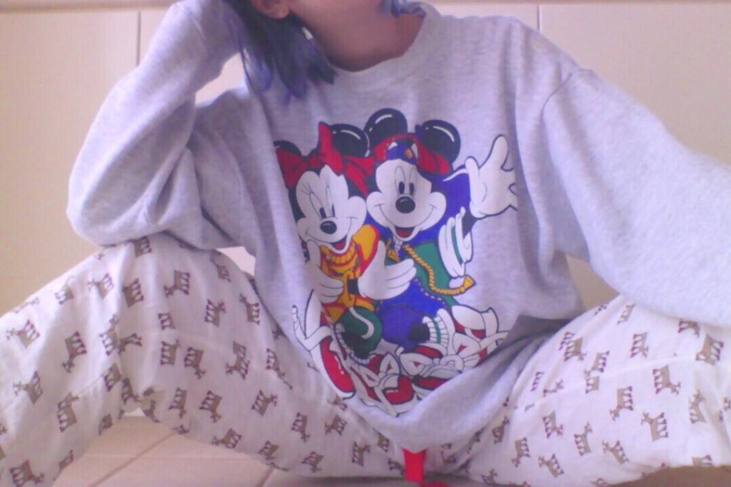 リアルな部屋着は、こんな感じ!外国のアニメにでてきそうなチグハグ感とポップさが気分♡ #fashion #used