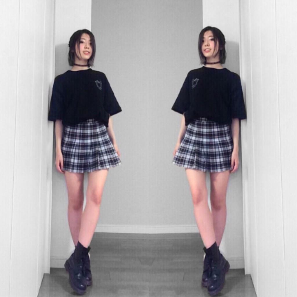 アメアパの #SCHOOLGIRL 風プリーツスカートは #90s に #PUNK に着るべし♡ #OOTD #AmericanApparel