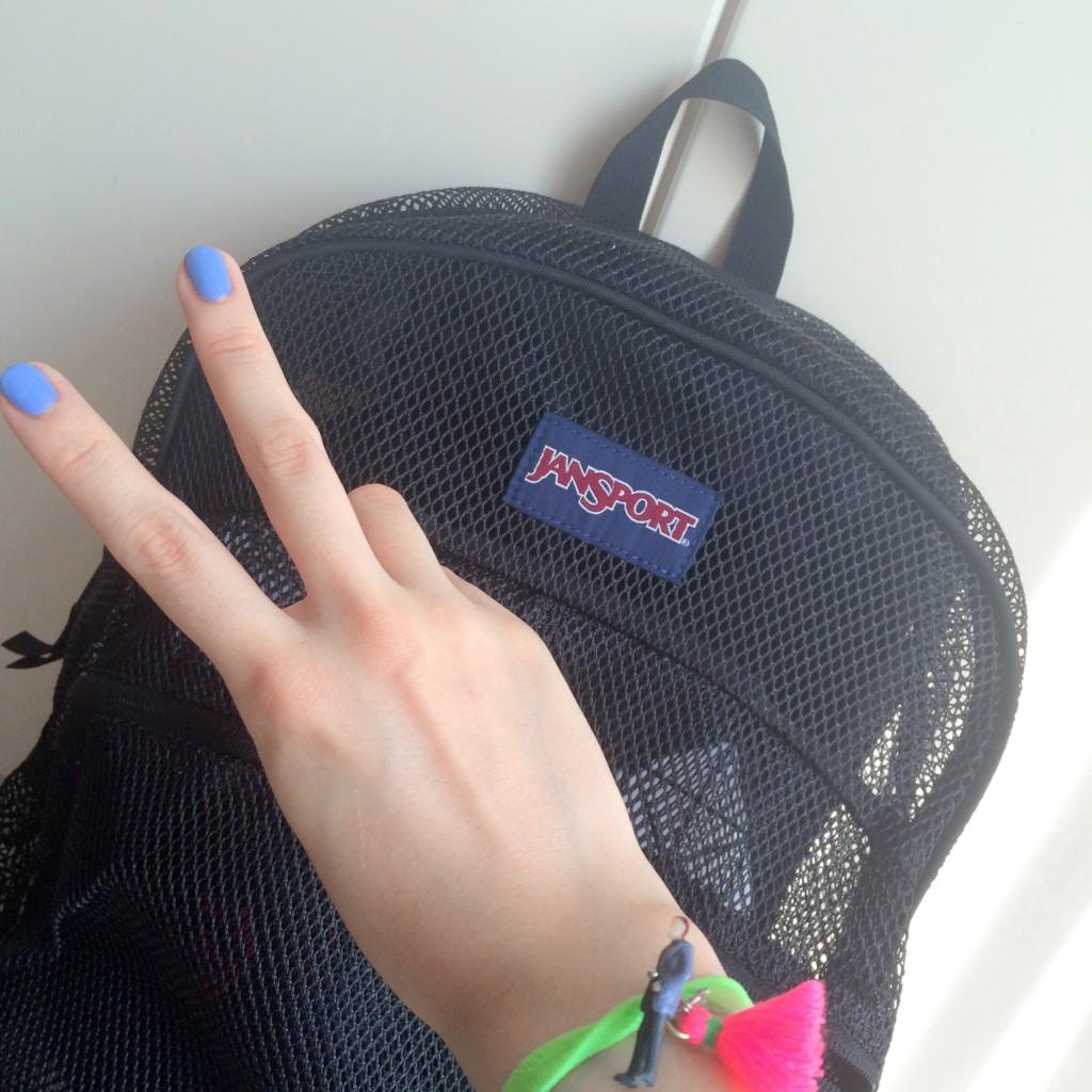 飛行機の手荷物、何を持ってく♥?ミリが実際に持ってくリュックの中身を大公開。 #TRAVEL #HAWAII