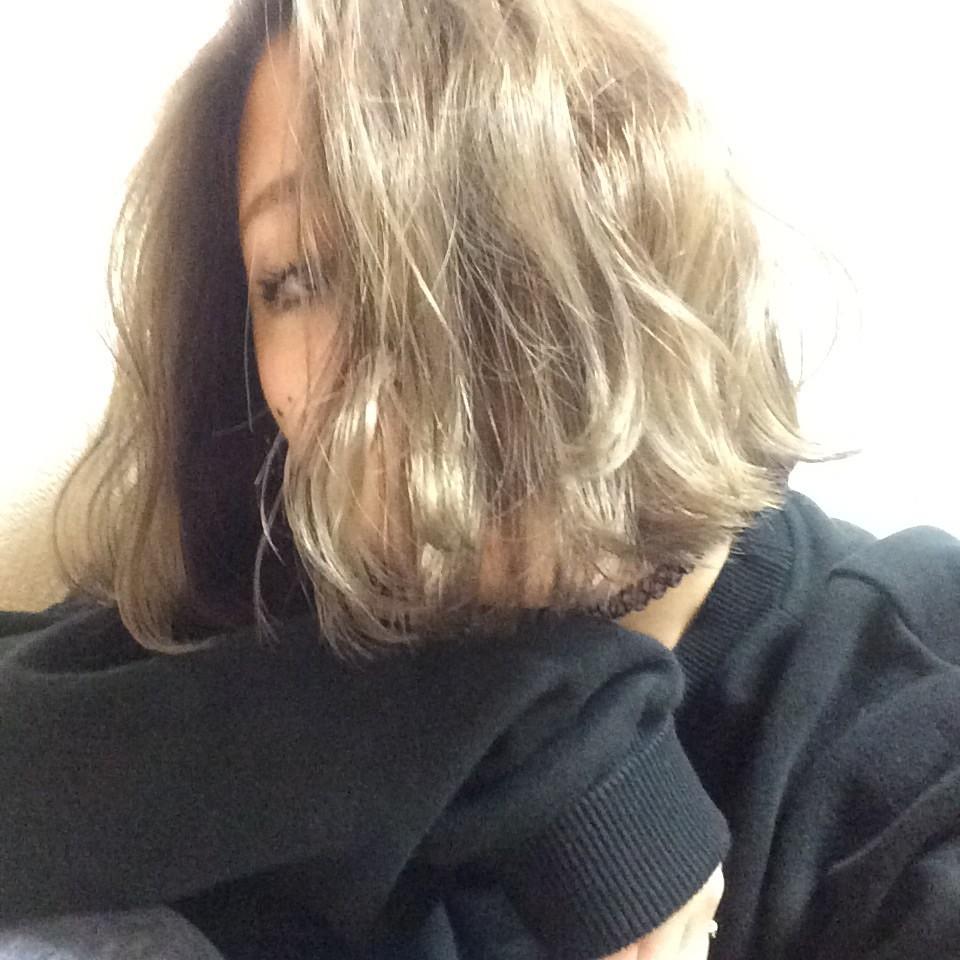 久々にハイトーンに髪色をチェンジ!下半分はパープルに♡ #無加工 #haircolor #DaB