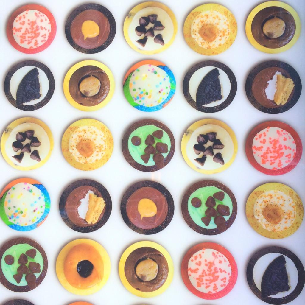 """500円玉サイズの #Cupcakes は """"Baked by Melissa""""で♡ 甘いのが苦手なコもぜひ。 #NY"""