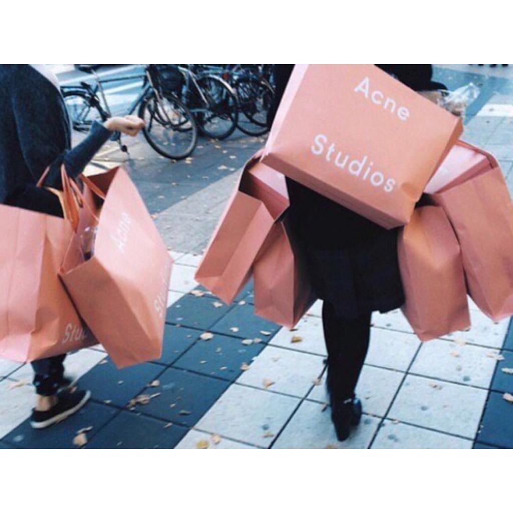 #Century21 なら #AcneStudios や #Wildfox , #MOSCHINO が破格で買えちゃう! #NY #shopping