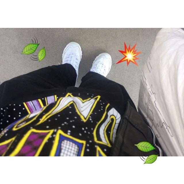 #NYLONマーケット でGETしたダサカワな真っ白のスニーカーを取り入れた #OOTD ♡ #SKECHERS