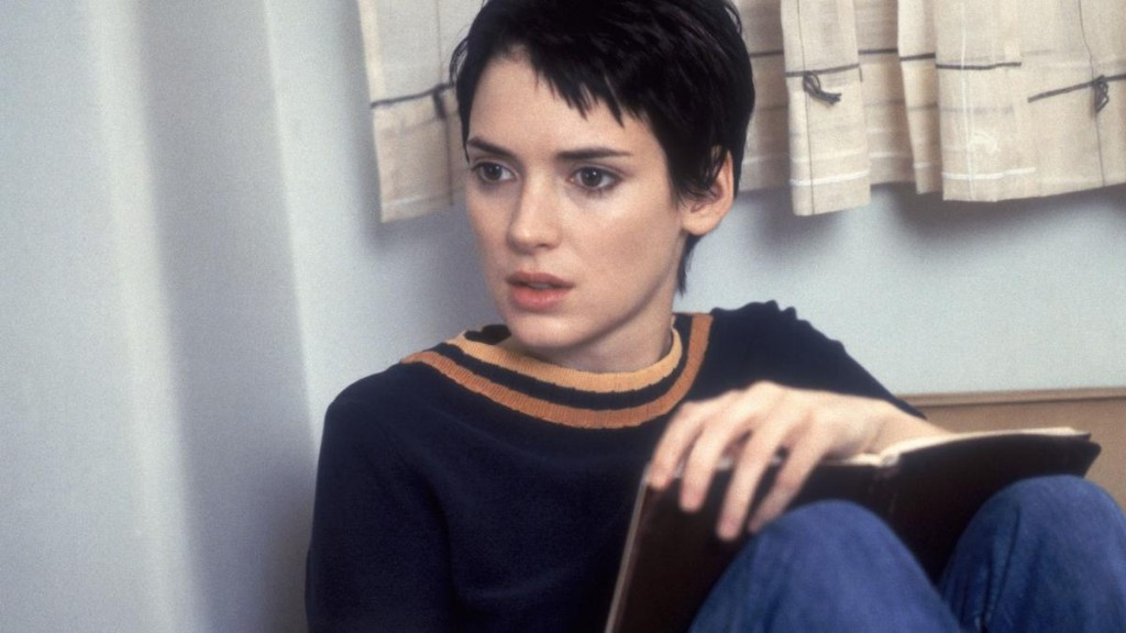 winona-ryders-top-10-moments-1450374804