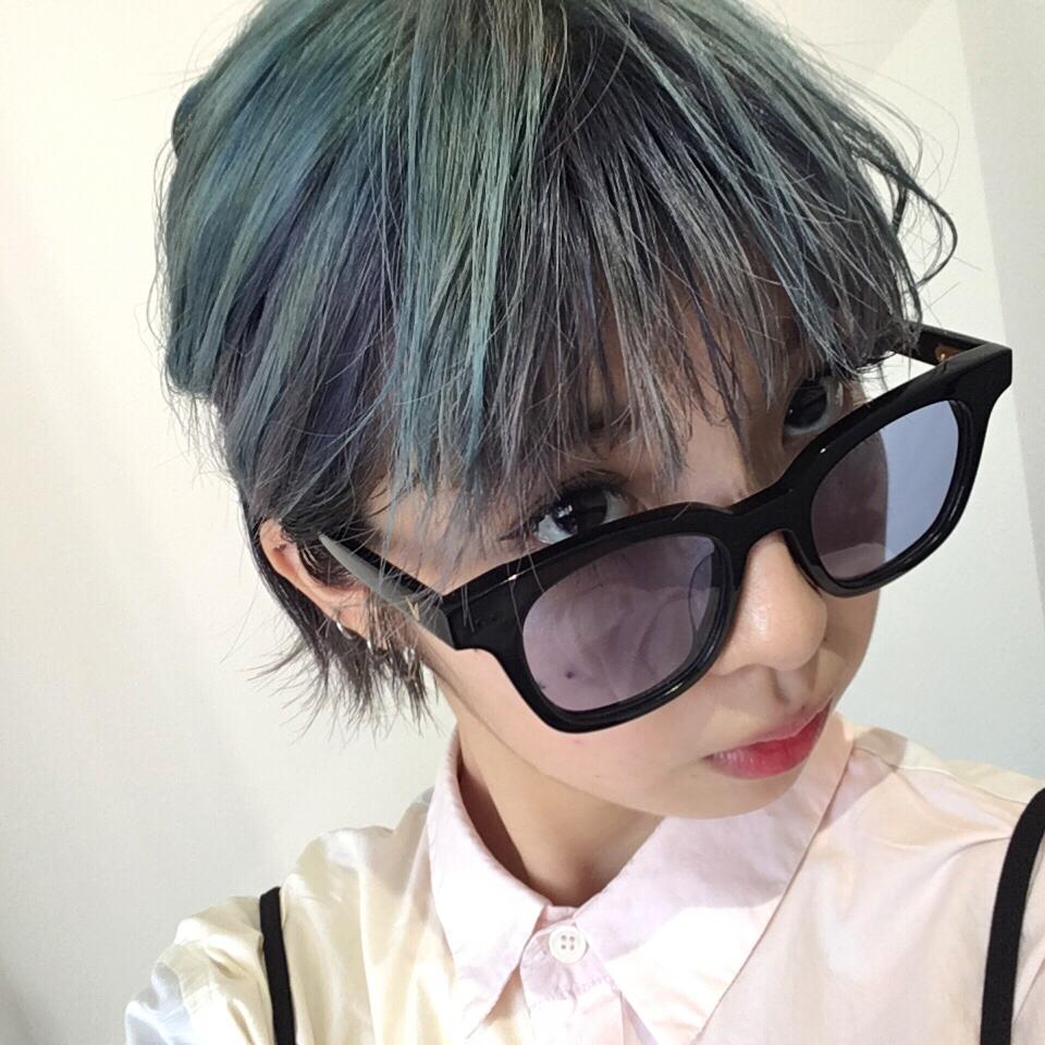 #韓国 購入品 PART.2♡ #GENTLEMONSTER で一目惚れしたブルーレンズのサングラス。 #SHOPPING #SOUTHSIDE