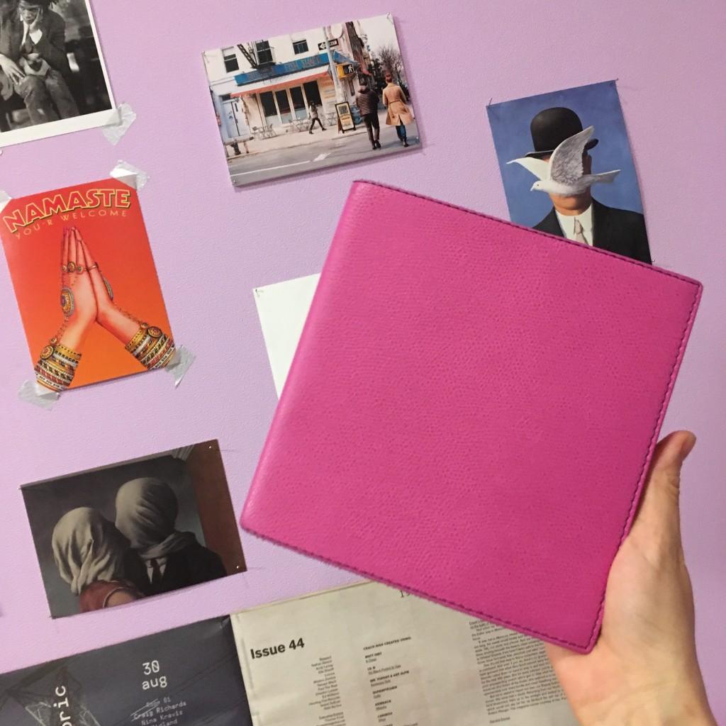正方形の手帳を愛用して3年目♡カラーがかわいいリフィルタイプならこれが断然オススメ。 #quovadis #stationary