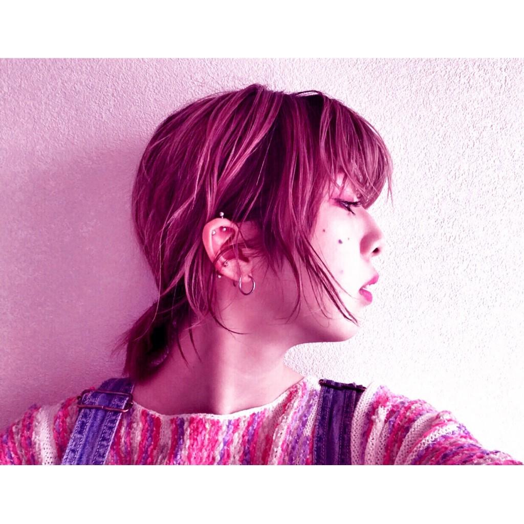 ショートヘアでもできるルーズな簡単アップスタイル♡ 巻き方もおさらいしましょ!  #DATE #HAIRSTYLE