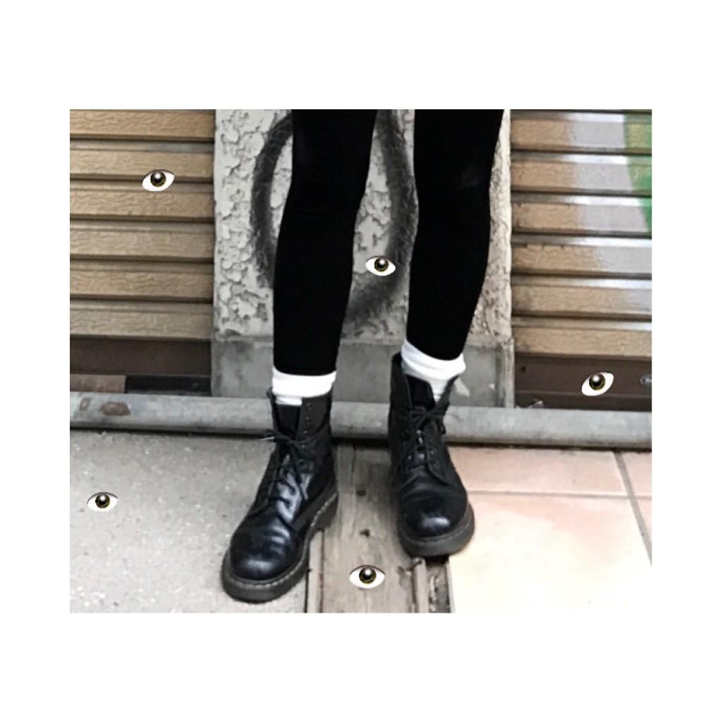 意外と知らない #DrMartens の靴紐を足首でクルッと一周させる方法♡ #BLACKPINK #LISA
