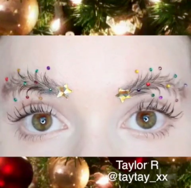 #ChristmasTreeEyebrows はクリスマスのPARTY LOOKにアリ?なし? #MAKEUP