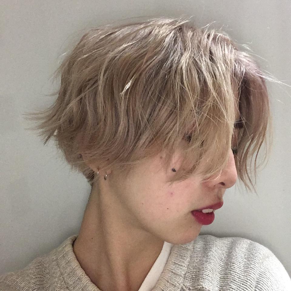 ハイトーンカラーで思い切った外国の少年のようなショートへアに!ーよくやるヘアのセット方法♡ー