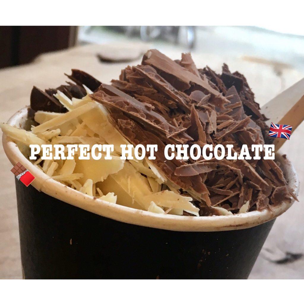 さすが専門店。チョコレートの塊を目の前でザクザクCUTして入れてくれる最強の #HOTCHOCOLATE が飲めるお店♡ #LONDON