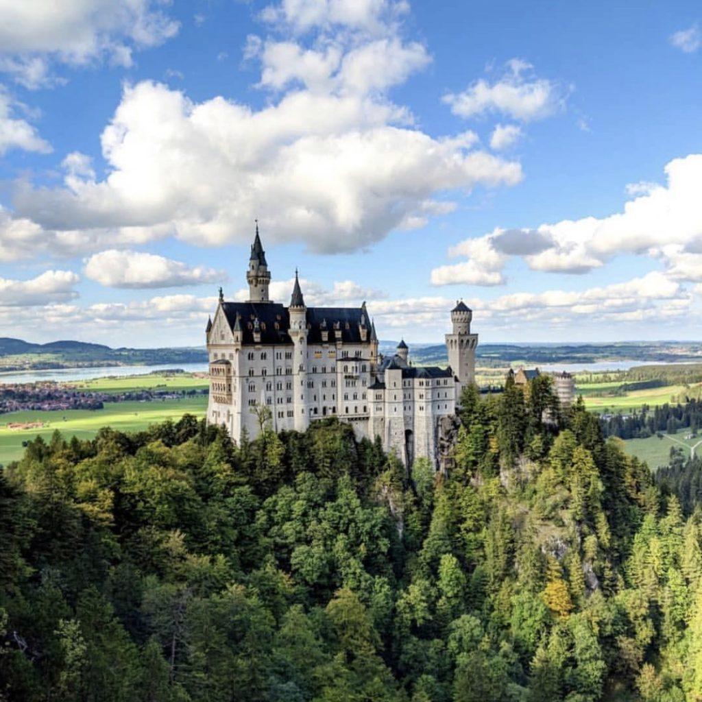 夢が叶った!シンデレラ城のモデルと噂される #ドイツ の #ノイシュヴァンシュタイン城 に実際に行ってみたら想像以上でした。 #GERMANY