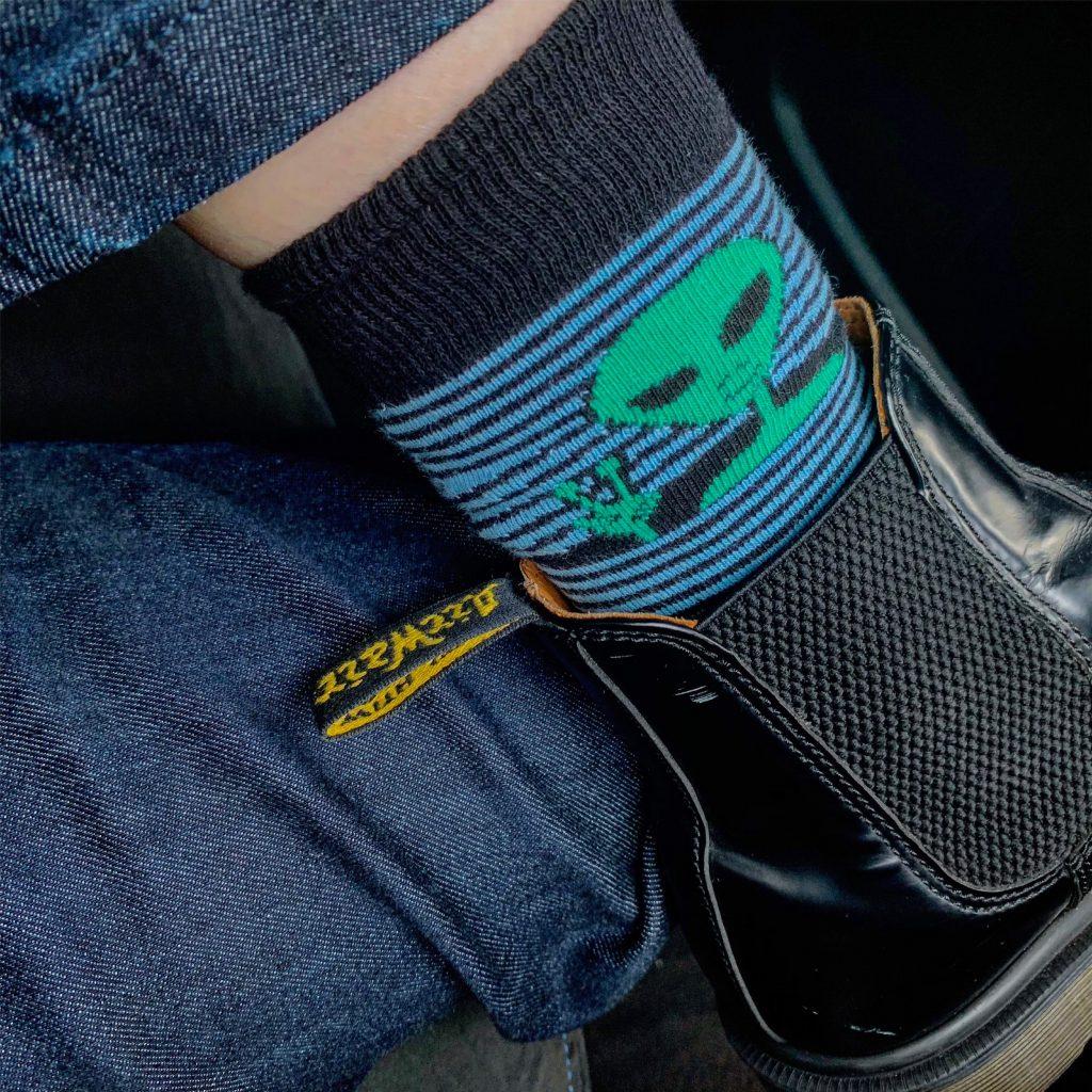 靴下マニアの #SOCKS コレクションを一挙公開♡ ーハイソックスのスタイリングのポイントー #OOTD