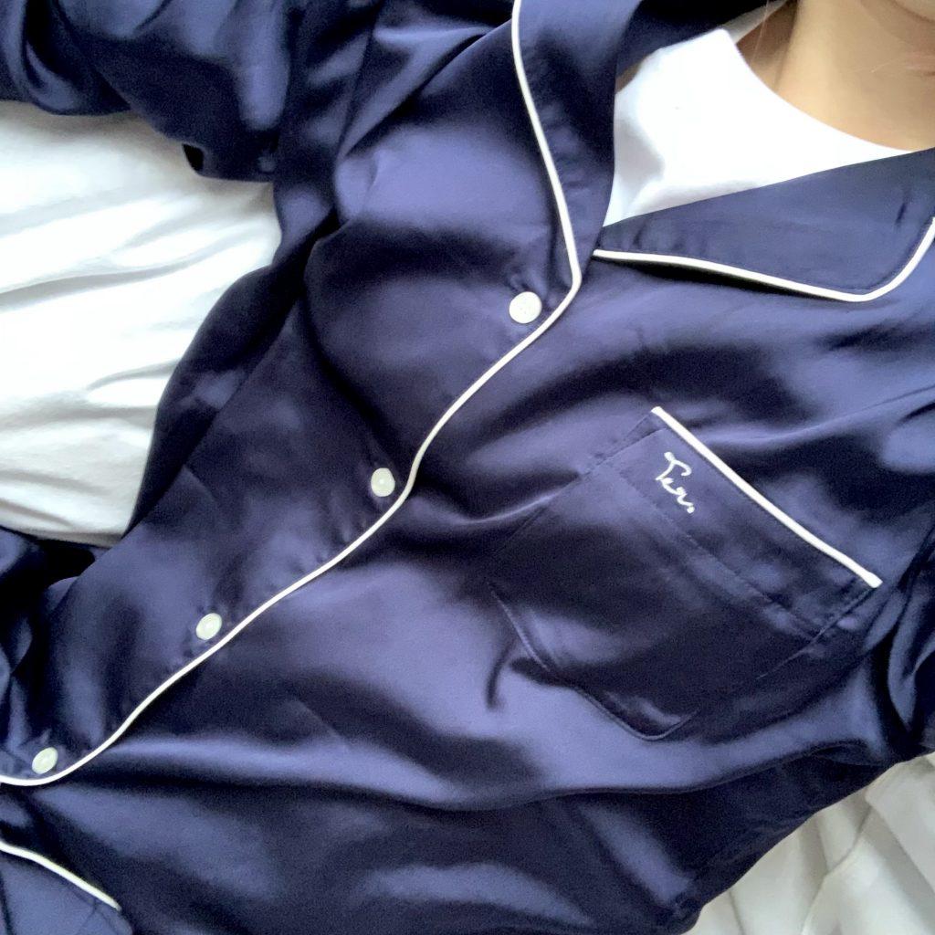 サテン調のセットアップパジャマを色違いで購入♡環境に優しい素材でつくられているのも魅力! #ECO #PAJAMAS #SLEEPWEAR