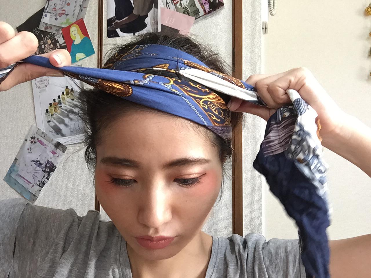 保存版 ヘッドスカーフの巻き方 ファッションがもっと楽しくなっ