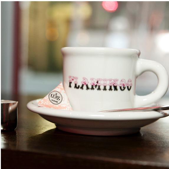ピンクとレッド。どっちに染まってみる♡?夜カフェでも有名なフラミンゴ #カフェ はどう?#渋谷 #静か #おしゃれ