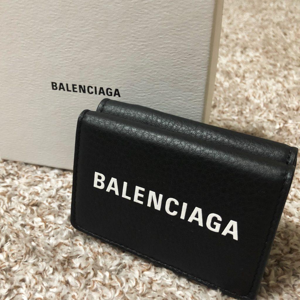 #ロゴ 人気継続中‼️#三つ折り #財布 は #バレンシアガ に決定❤️#BALENCIAGA