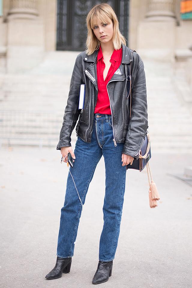 モデルの中でもおしゃれで知られるエディ・キャンベルは、きりりとしたライダーススタイルがお似合い。デニム×ブーツでどこかバイカーっぽい雰囲気が、男前な表情を際立たせている。