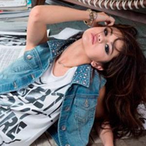 """adidas NEOLabelから""""Selena Gomez""""コレクションが新登場♪"""