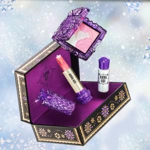 雪の世界を表したANNA SUIのスペシャルなホリディ スノー コレクション!