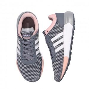 雲の上を歩いているみたい! adidas neoから履き心地抜群のスニーカーが登場