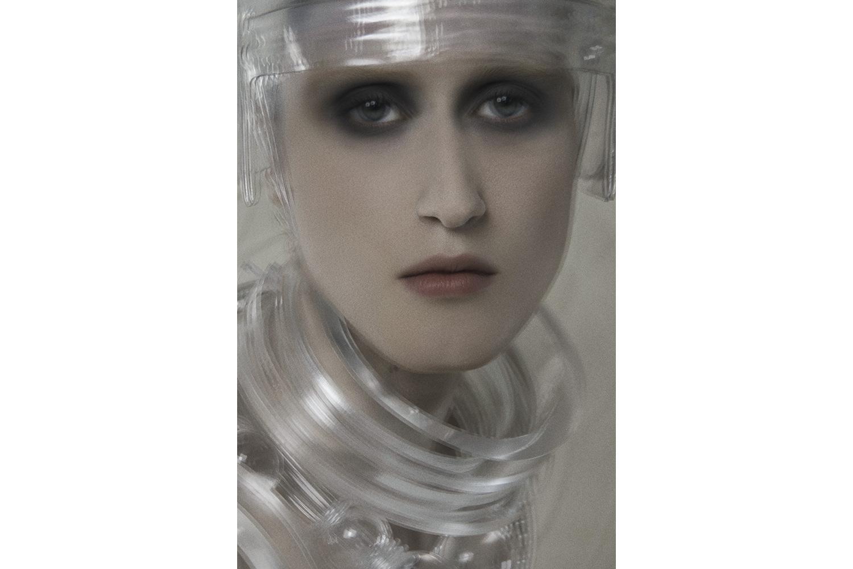幻想的な女性らしさが魅力。NARSのホリデーコレクションでモダンガールに