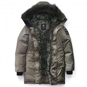 CANADA GOOSEとOPENING CEREMONYのコラボジャケットで寒い冬もオシャレに